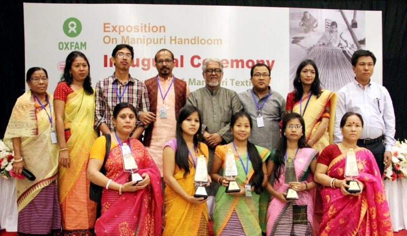 Group photo session with the best award winner artisans